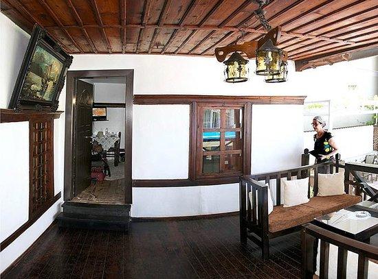Guest House Bujtina Leon: recibidor