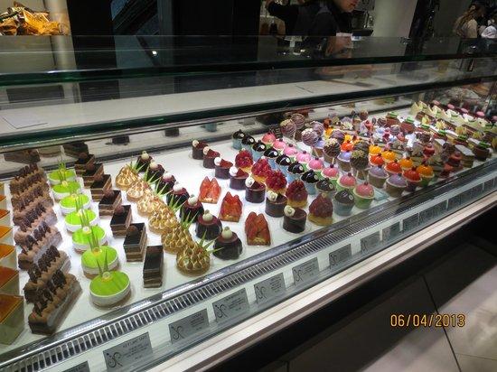 dining area - Picture of ARIA Patisserie, Las Vegas - TripAdvisor