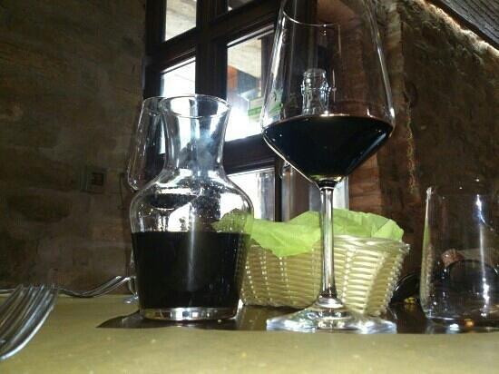 Ottavius Hosteria D'Autore: Caraffetta di vino Sagrantino