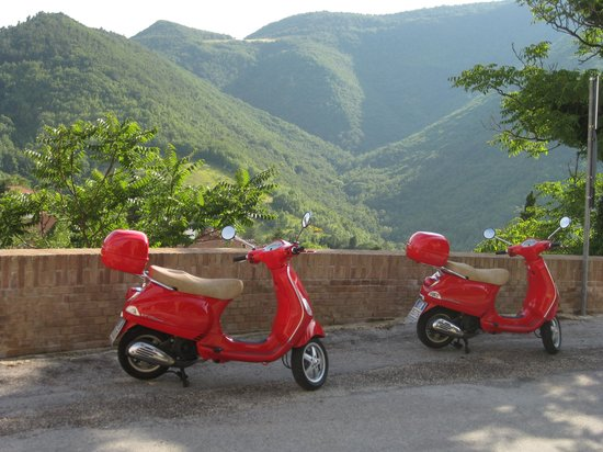 L'Infinito Country House : vespa lovers