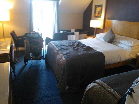 Kilkenny Ormonde Hotel: Very cramped room