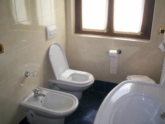 Albergo Milano: bagno