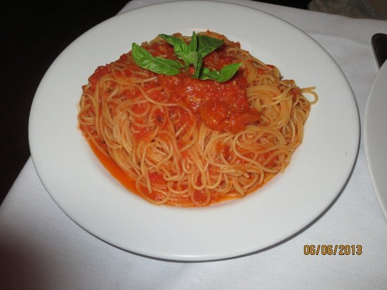 Gina's Bistro: side of pasta