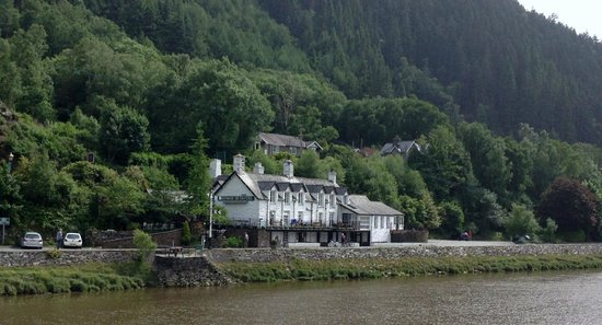 George III Hotel: Hotel taken from Toll Bridge