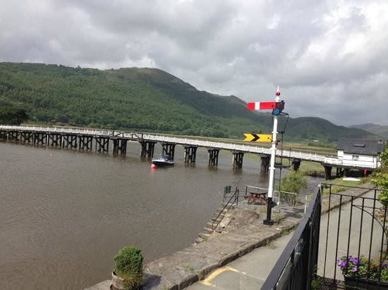George III Hotel: View of Toll Bridge from Balcony of Hotel