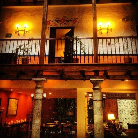 La Casona de la Ronda Heritage Boutique Hotel: indoor courtyard