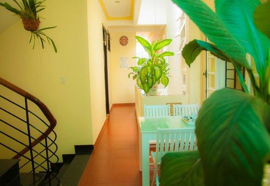 Memories Homestay: Hallway