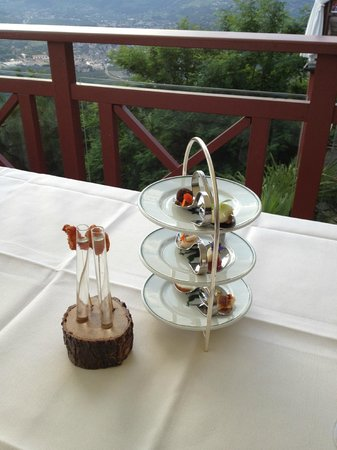 Castel Fragsburg: Gruß aus der Küche auf der Terrasse