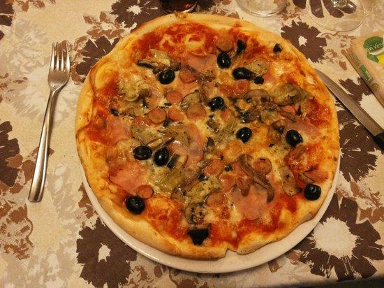Il Porrina: Pizza Mista  lekkerrrrrr