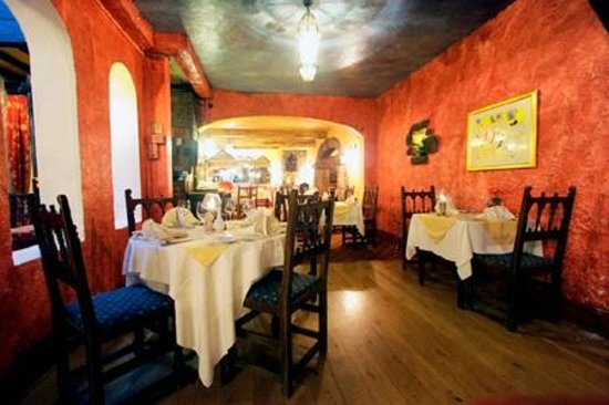 The Revere Hotel: The Candlelight Restaurant