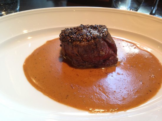 Andaz Amsterdam Prinsengracht: Beef with cognac sauce - delicious!
