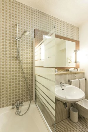Mercure Vienne Sud Chanas : salle de bain