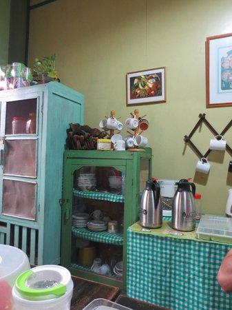 Apa Kaba Home & Stay: Kitchen