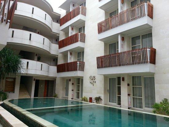 Adhi Jaya Sunset Hotel: Higher floors