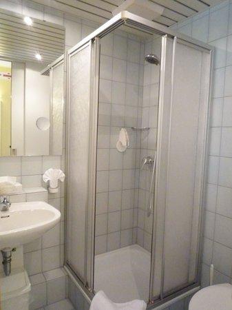 Hotel Restaurant Lohmühle: salle de douche