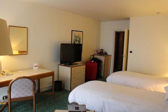 Mercure Lille Metropole Hotel: geräumiges Zimmer
