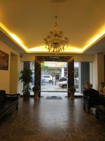 D Eastern Hotel: Lobby