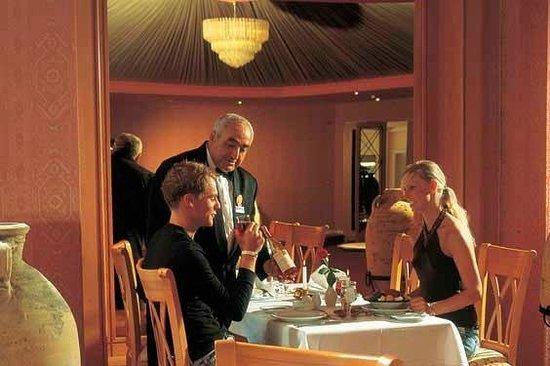 Bellevue Park: Dining