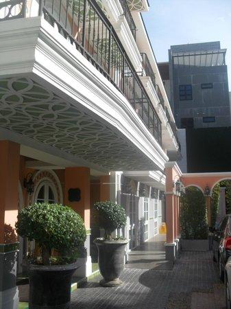 Salil Hotel Sukhumvit - Soi Thonglor 1: Entrada do hotel