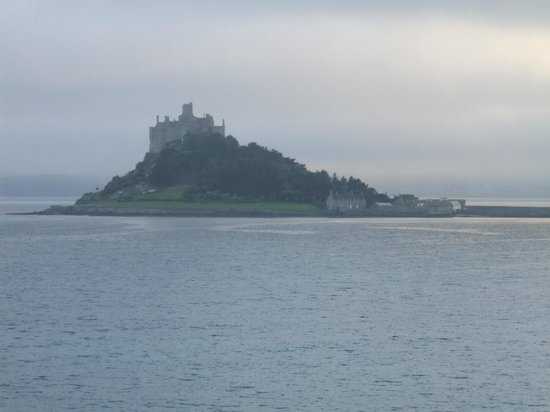Chymorvah Hotel: View 0f St. Michael's Mount from Room 7