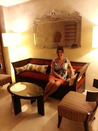 Hilton Luxor Resort & Spa : Caroline in one of the Hilton's reception areas