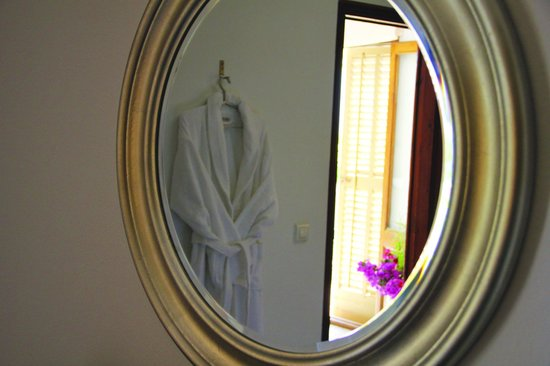 Lily's Massage & Wellness Center: A refined atmosphere