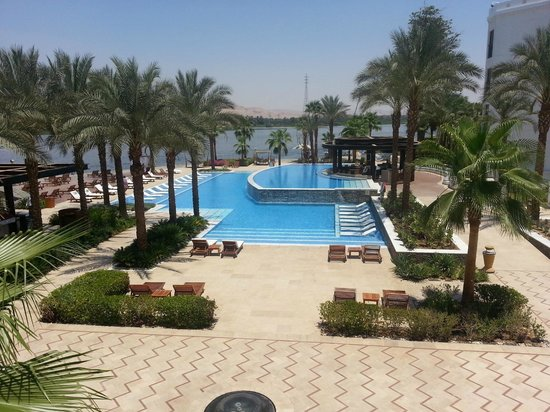 Hilton Luxor Resort & Spa: The Main Pool