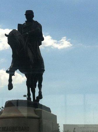 Gray Line Cemetery and Voodoo Walking Tour: Confederate General PGT Beauregard