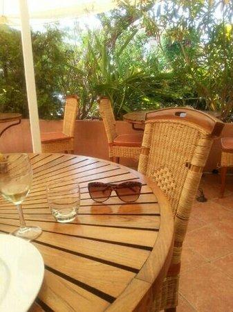 La Table Du Port : Très joli terrasse...
