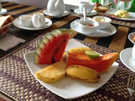 Unawatuna Nor Lanka Hotel: The fruit plate