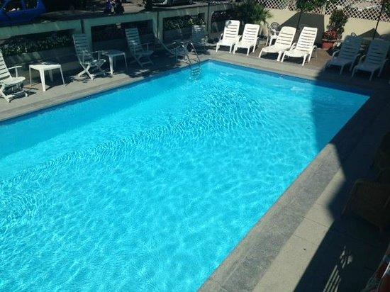 Hotel Nord Est: Piscina