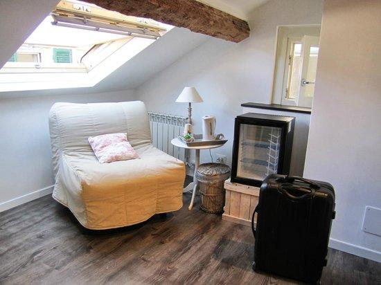 Il Borgo di Genova : Room at top of the house. Had air-con.