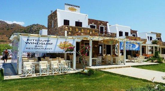 Flisvos Kite Center: The flisvos restaurant and kite center