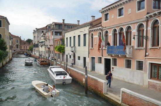 San Sebastiano Garden Hotel: The hotel from a little bridge
