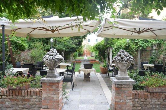 San Sebastiano Garden Hotel : Wonderful garden