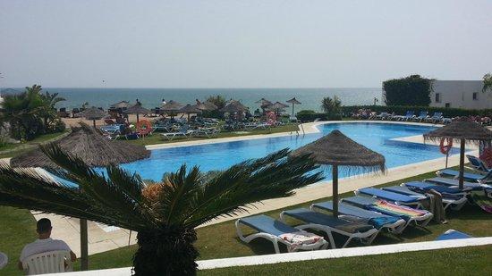 Conil Park Hotel: piscina desde terraza hotel