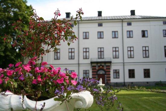 Husby Säteri: En levande och välbevarad 1700-tals-miljö