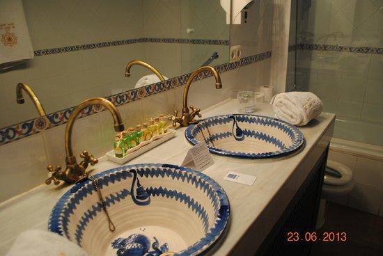 Palacio de Santa Ines: Baño muy bien decorado