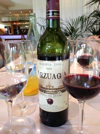 Restaurante Jaizkibel: Arzuaga reseva, Ribera del Duero 2006-excellent price