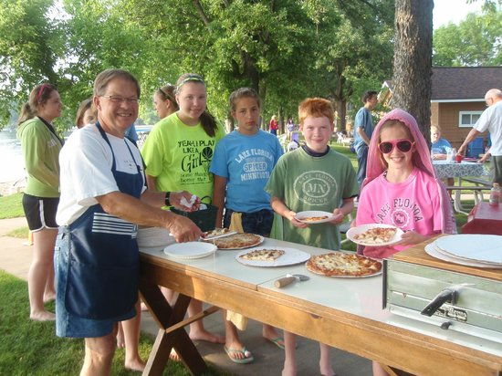 Dickerson's Lake Florida Resort: Fun at the pizza party!