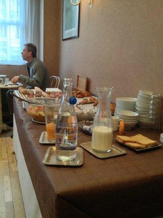 Hotel Jules Cesar: Le Buffet du Petit Déjeuner.