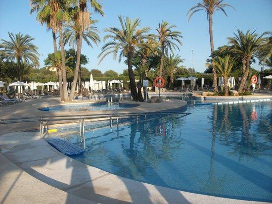 Protur Sa Coma Playa Hotel & Spa: lovely pool area