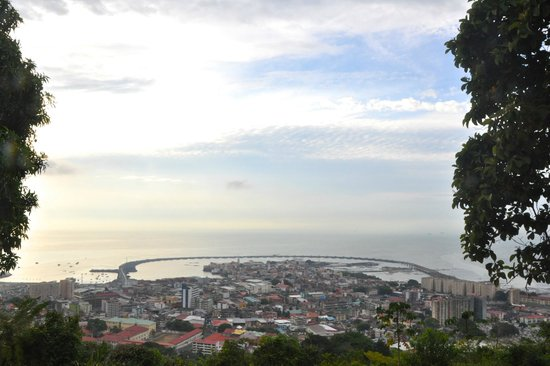 Dos Palmitos: View of Casco Viejo from Ancon Hill