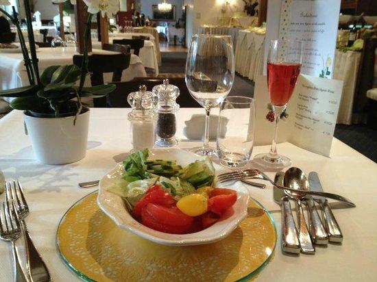 Hotel Rosengarten: inizio della prima cena (con aperitivo di benvenuto)