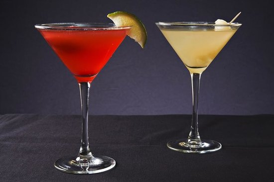 Stone's Cove Kitbar: Martinis
