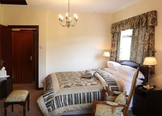 Sleepy Hollow Bed & Breakfast : Bedroom