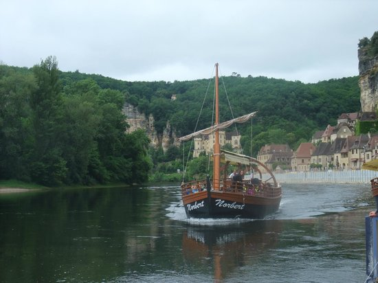 Dordogne River : Flat bottom boat
