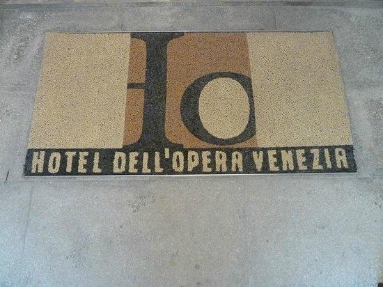 Hotel dell'Opera: Welcome Mat, Hotel dell'Opera