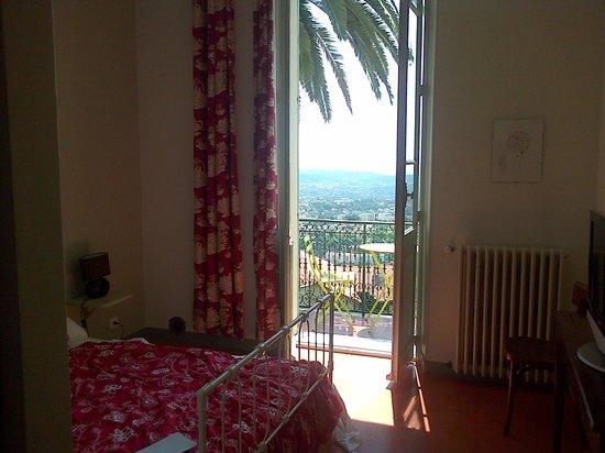 Les Palmiers- Grasse : Notre chambre.