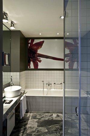 badezimmer - picture of sofitel hamburg alter wall, hamburg